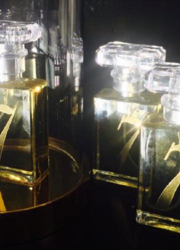 """""""7"""" Parfume"""